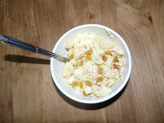 Bircher pomme poire raisins blonds au lait de soja