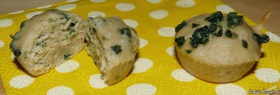 Muffins nature aux flocons d'avoine colorés (A droite incorporés à la pâte et à gauche sur le dessus uniquement)