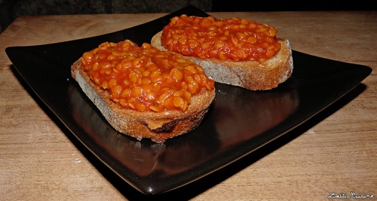 Lentils on toasts