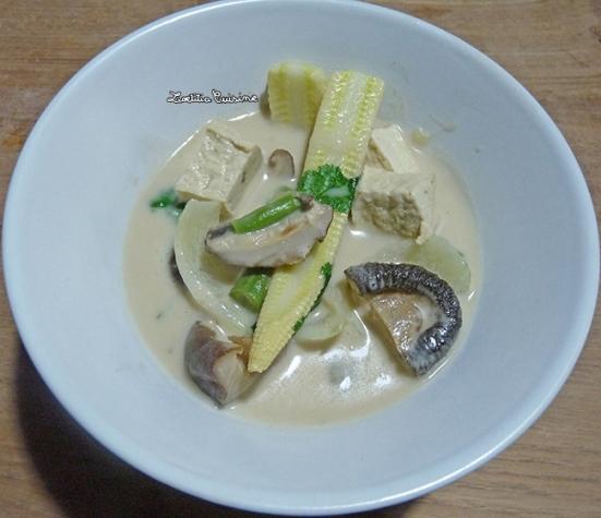 Soupe au lait de coco à la thaï