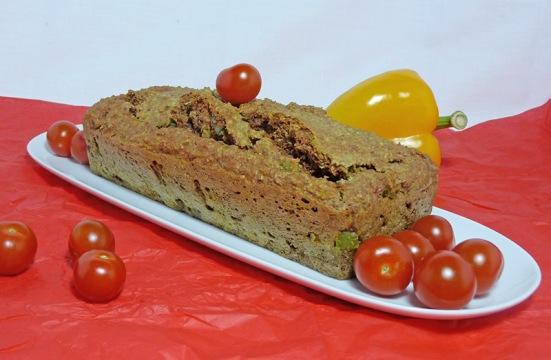 Cake au son, échalotes, poivron et curcuma