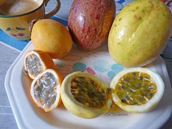 Maracujas et pommes-liane