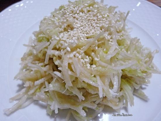 Salade de fenouil, concombre et radis blanc râpés