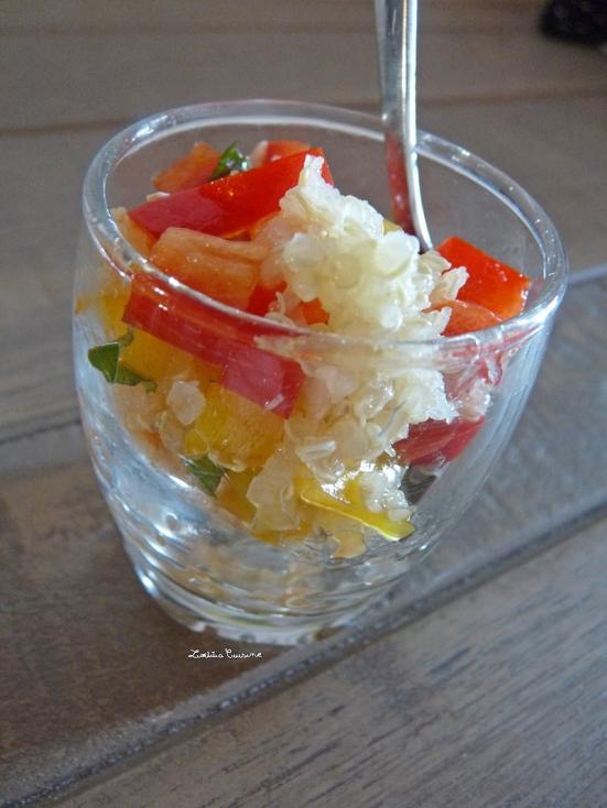 Taboulé de poivrons, menthe, quinoa à l'huile de tomates séchées et vinaigre balsamique
