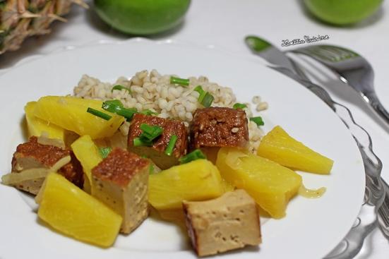 Tofu fumé à l'ananas et citron vert