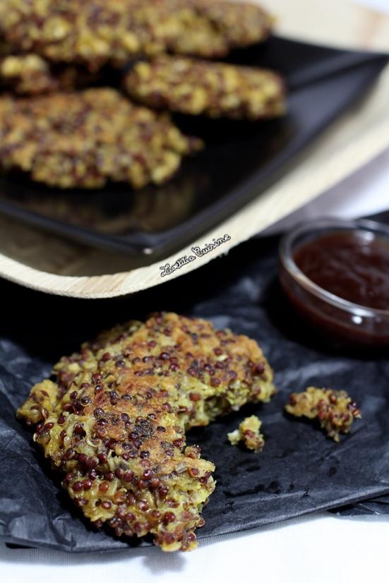Croquettes au quinoa rouge, flocons d'avoine et curry