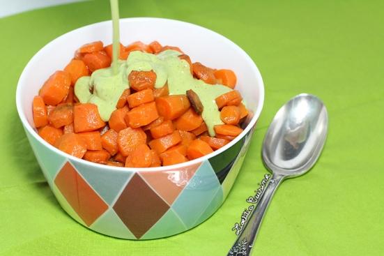Salade de carottes rôties sauce tahini et coriandre