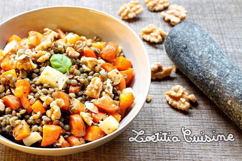 Salade de lentilles tiède aux légumes rôtis et noix