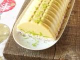 Bûche de noël végane crue à la mousse d'ananas et citron vert sur craquant de coco {option manguepossible}