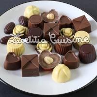 Chocolats de noël véganes fait maison {Noirs, au lait ou blancs, garnitures de feignasse}