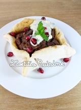 Petites tartes aux aubergines façon Sfeeha sauceTarator